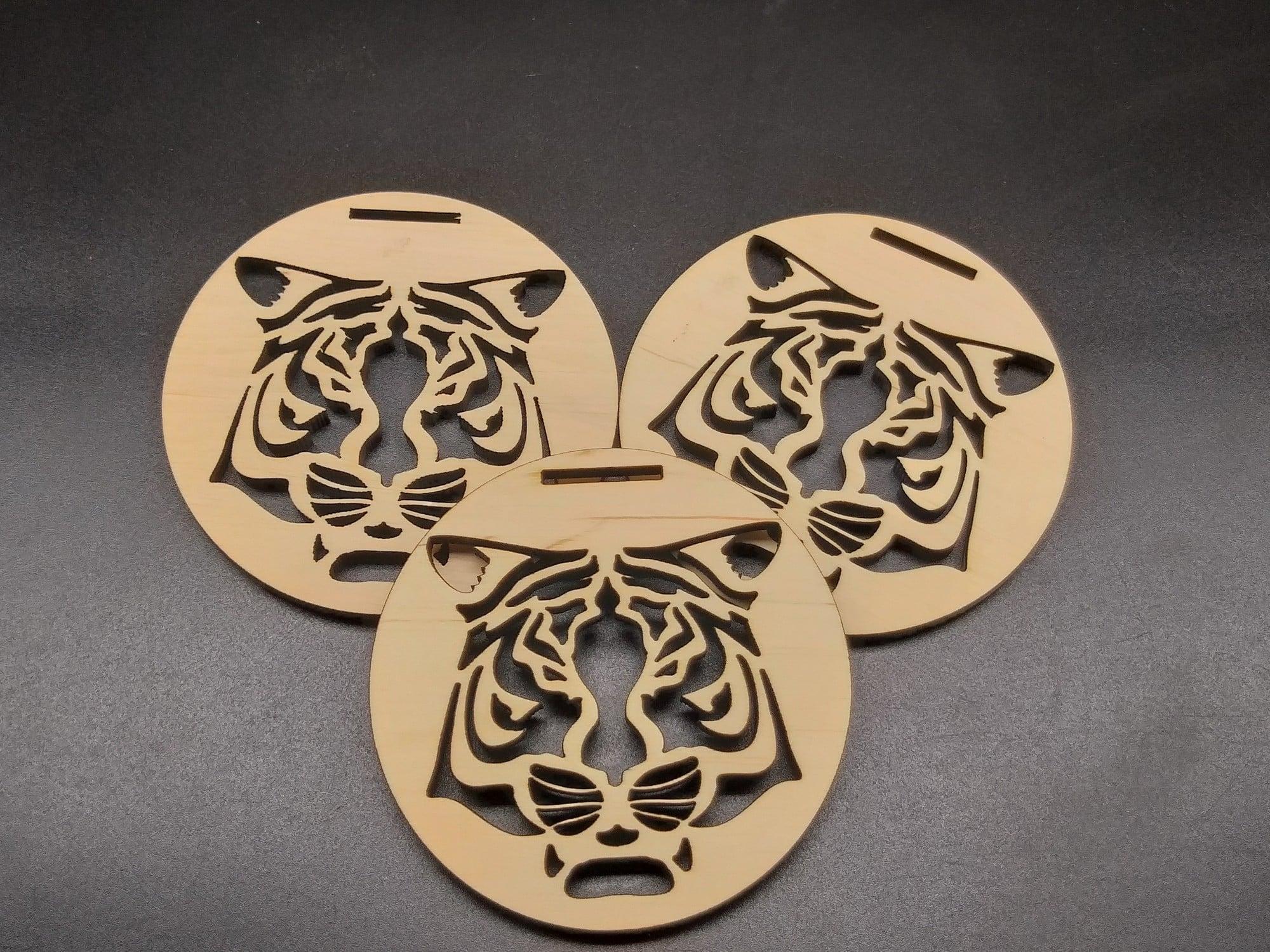 Медаль из дерева