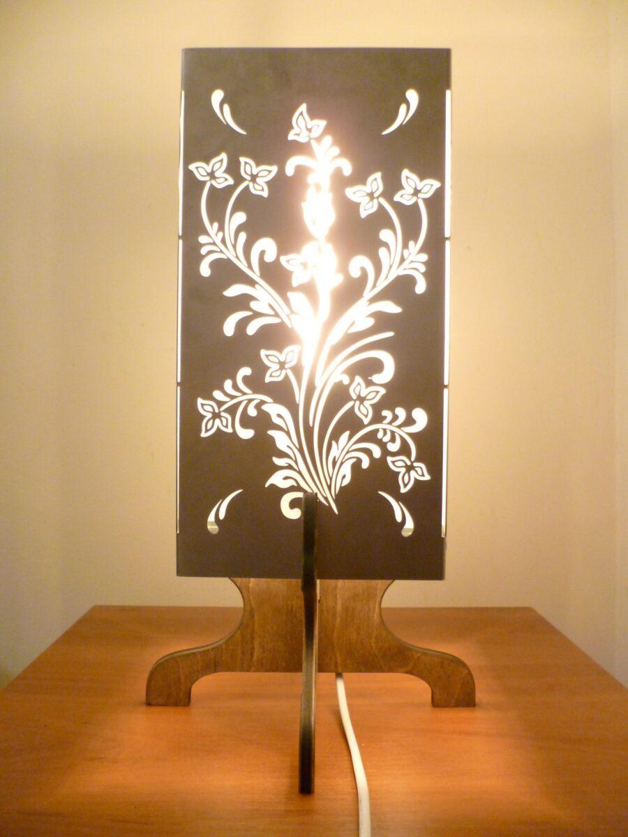 Лампа металлическая с квадратная