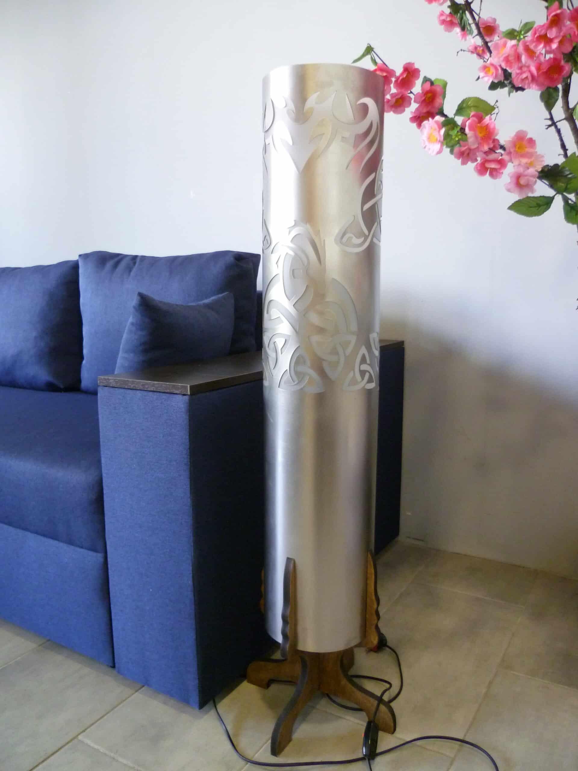 Напольная дизайнерская лампа