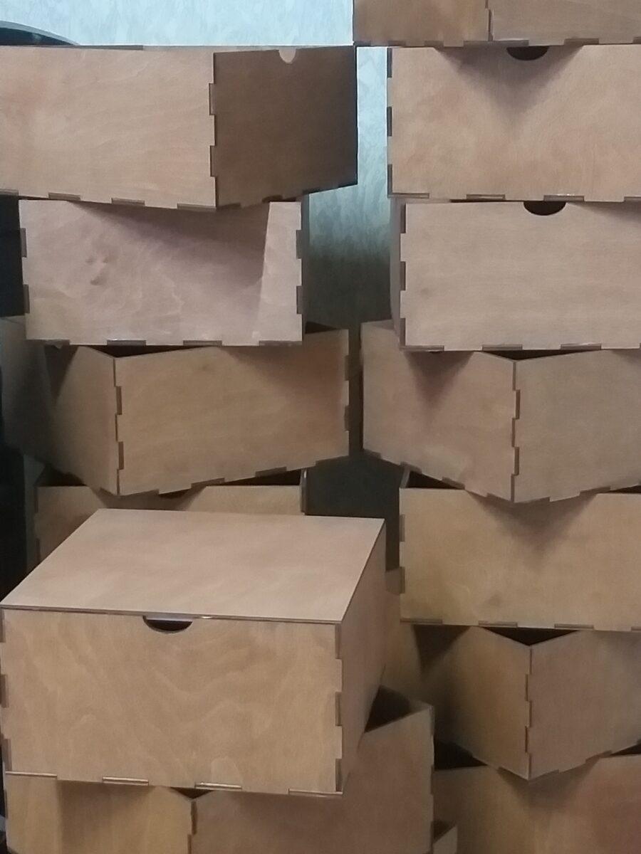 Коробочка из дерева