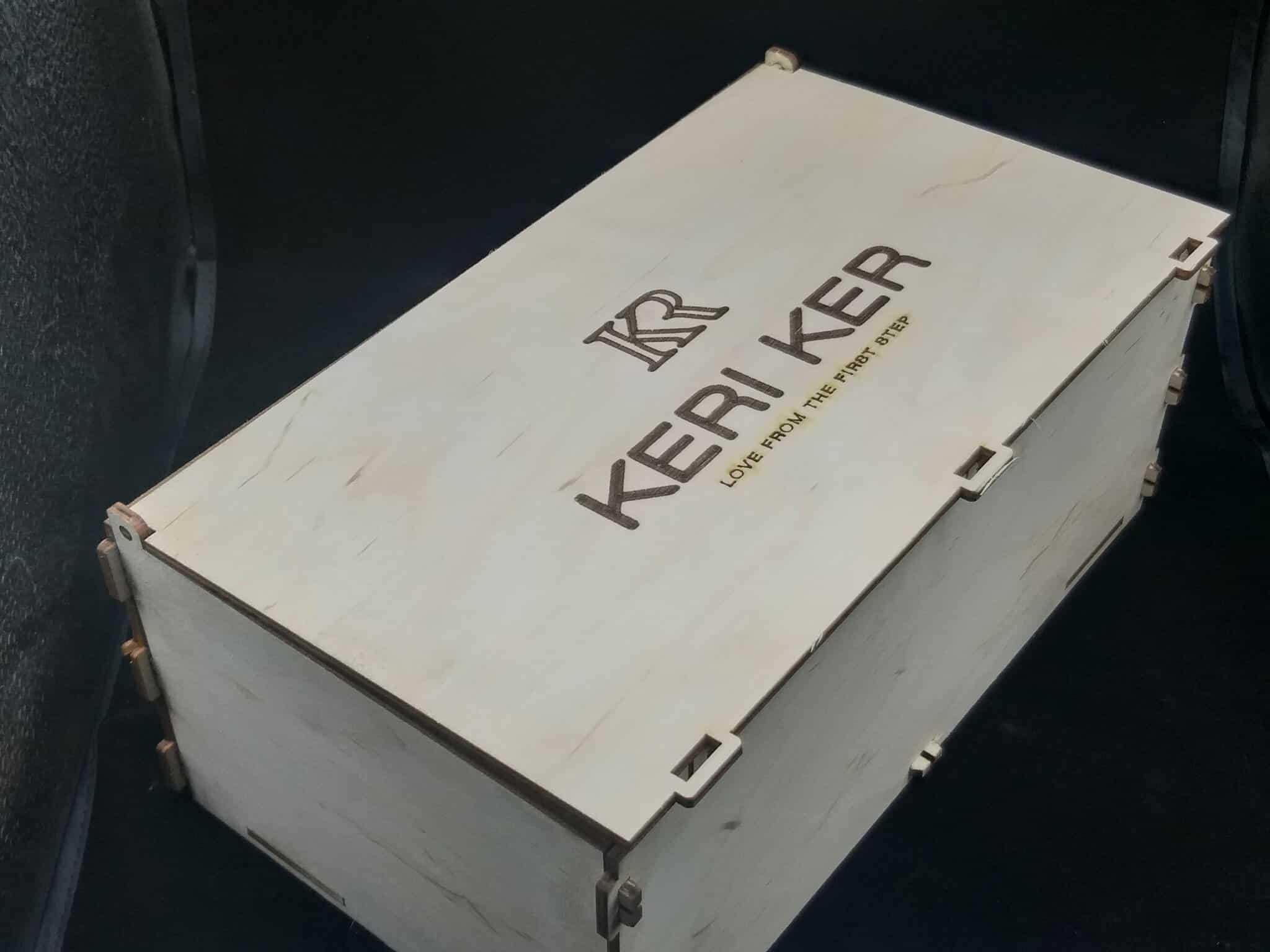 Коробка брендированная